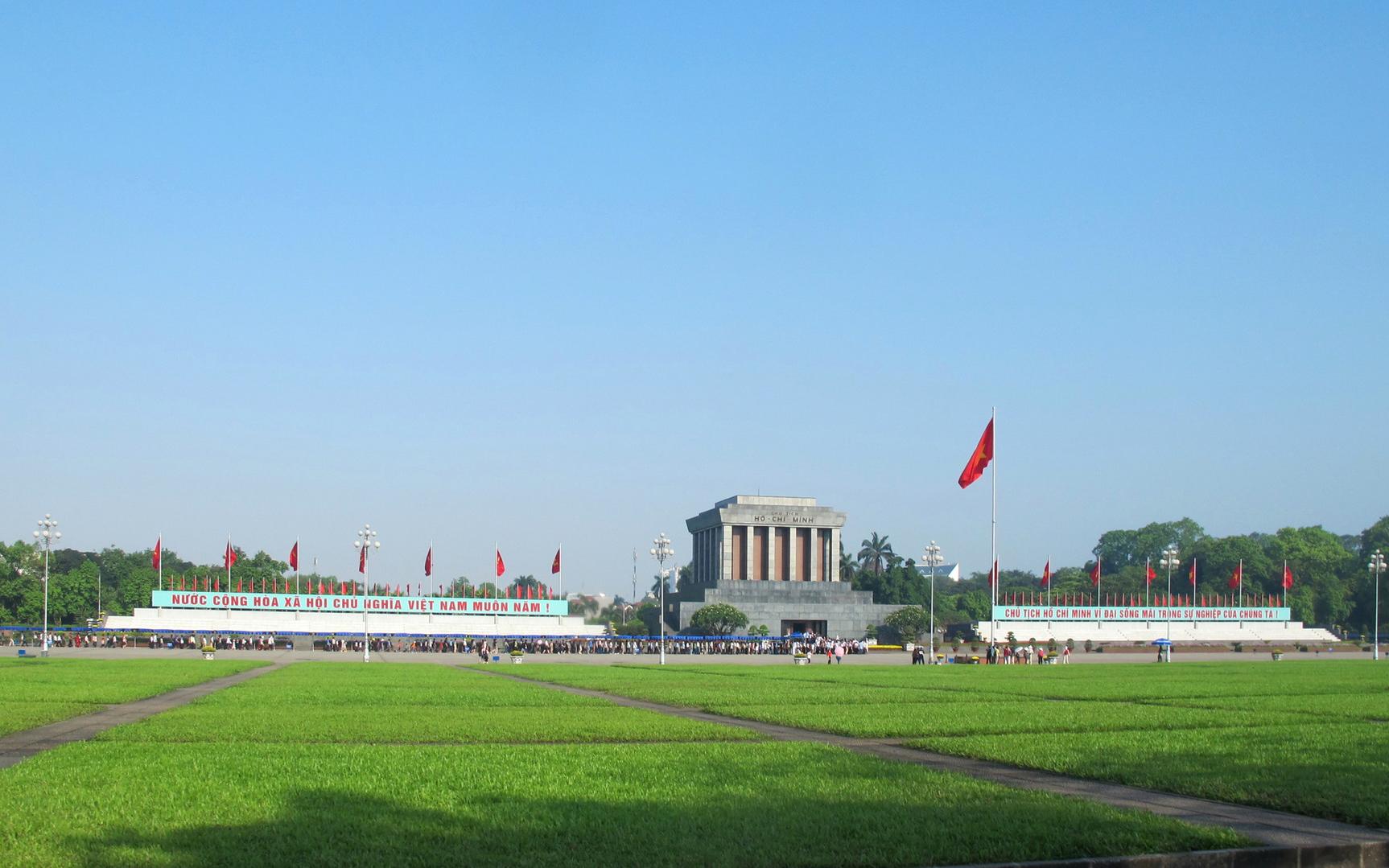 Các địa điểm du lịch nổi tiếng ở Hà Nội Lăng Bác và quảng trường Ba Đình