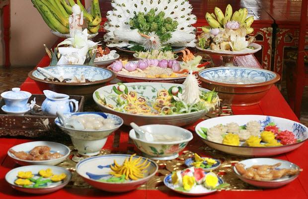 Bữa ăn cung đình huế