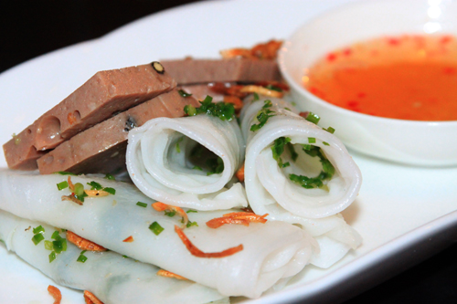 Bánh ướt chả bò: Món ngon đất Tuy Hòa Phú Yên - Ẩm thực - Việt Giải Trí