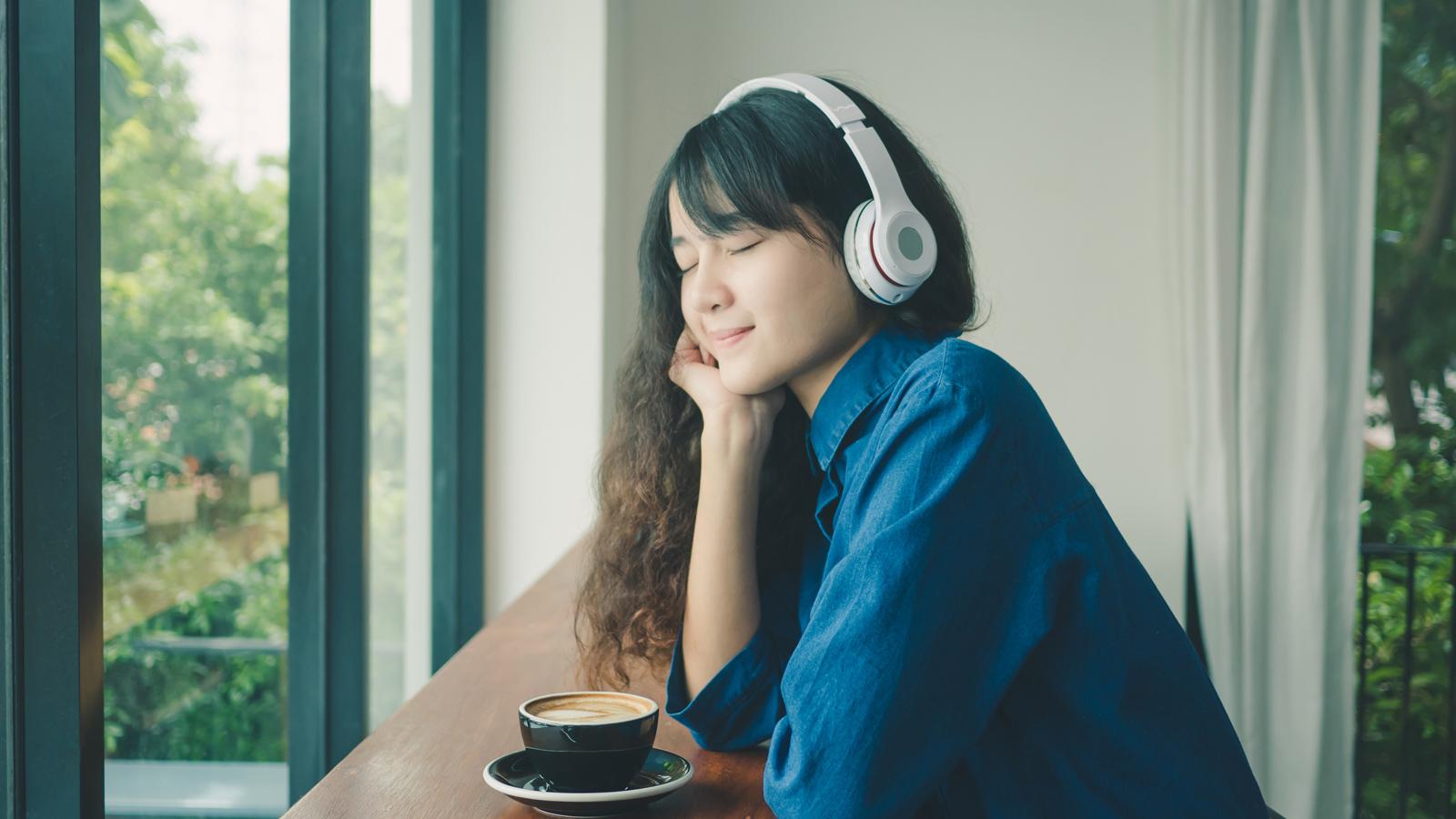 Nghe nhạc bảo vệ đôi tai đúng cách